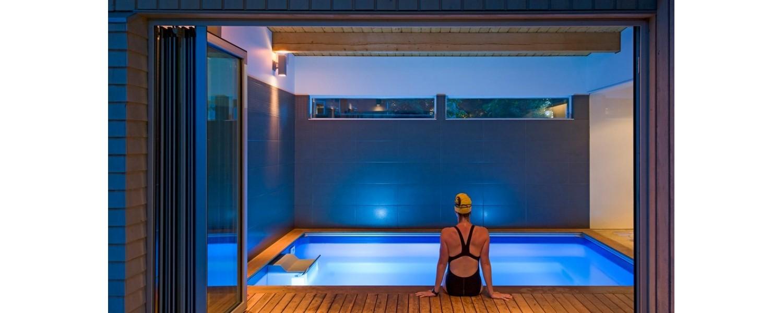 Hồ bơi nhiều tiện ích Endless Pools. Bao gồm tất cả cả các tiện ích của hồ bơi truyền thống và nhiều công năng vượt trội khác nữa. Endless pools - hồ bơi vô cực dành riêng cho phong cách sống của bạn